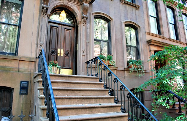 Carrie Bradshaw stairs