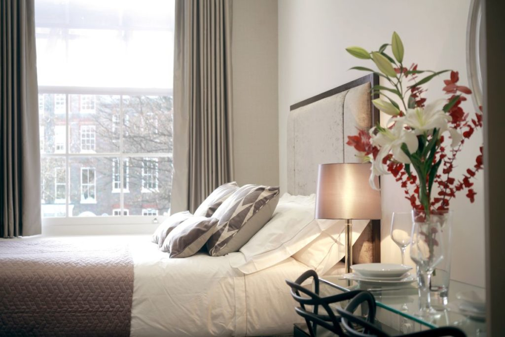 Golden Square Apartments - Valet